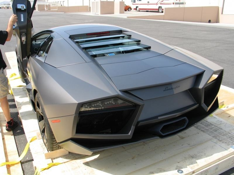 Lamborghini Reventon - vue de derrière