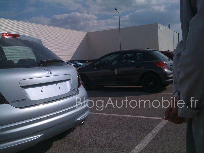 Peugeot 207 restylée - spyshot