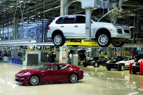 Porsche-Panamera-vs-Cayenne