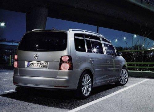 VW-Touran-R-Line-1