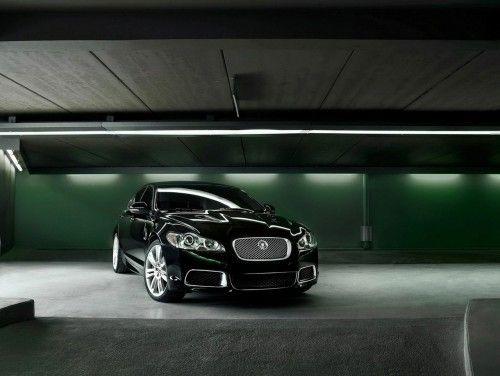 jaguar-xfr_2010 in parking