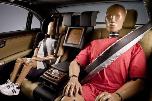 Mercedes-Benz ESF 2009 Concept - Airbag Ceintures
