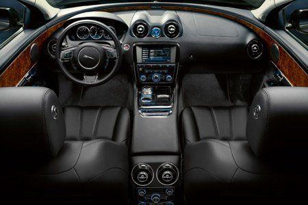 intérieur de la nouvelle jaguar XJ 2010