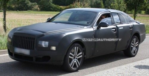 2009 - [Bentley] Mulsanne - Page 3 2010_grand_bentley_arnage_replacement_spy_shots_july_002-0730-950x650-500x254