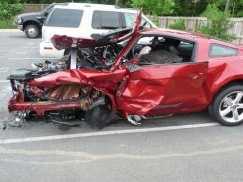 504x_2010_Mustang_GT_Crash_2