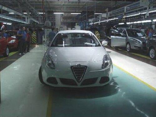 Alfa-Romeo-Milano-2