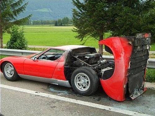 Lamborghini_Miura_Fire