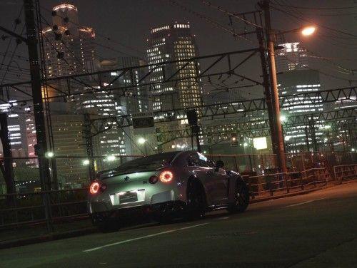 Wald-Nissan_GT-R