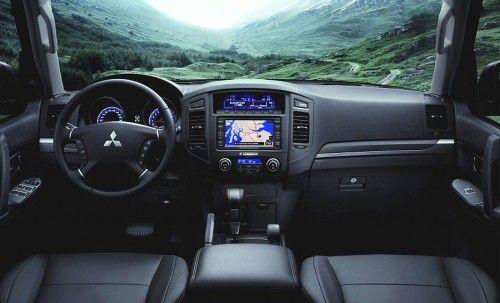 Mitsubishi_Pajero_2009 dashboard