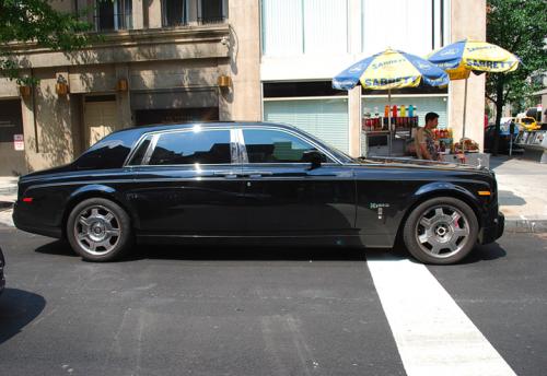 phantom-hybrid-on -crossroad