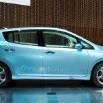 Nissan_Leaf_Live-10