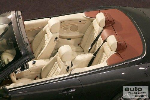 big_MaseratiGranCabrioprimeimmaginiacapotechiusa_11