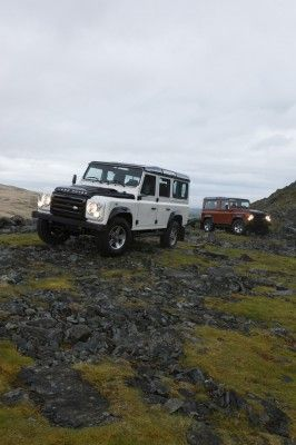 land-rover-defender-fire-ice-3