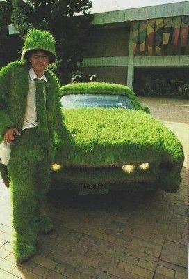 un conducteur assorti à son auto