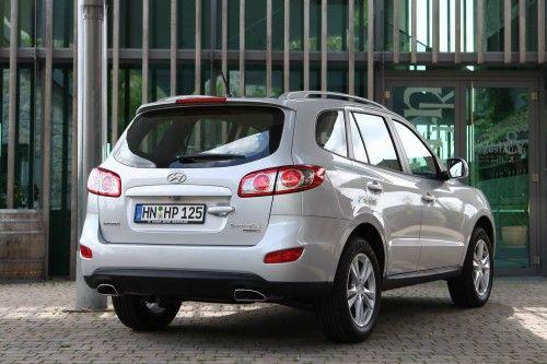 2010-Hyundai-Santa-Fe-4