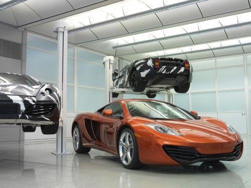 2011-McLaren-MP4-12C-Lift-1920x1440