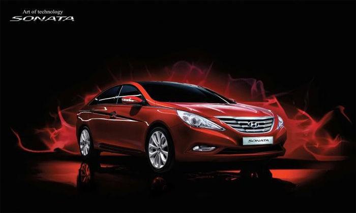 2011_Hyundai_Sonata_2