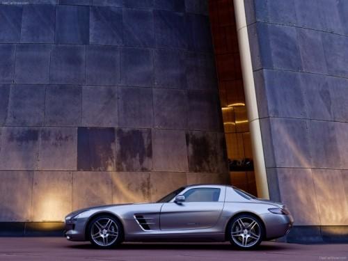 Mercedes-Benz-SLS_AMG_2011_10