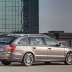 Skoda-Superb-Estate-39