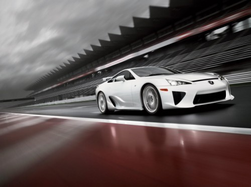02-lexus-lfa-press