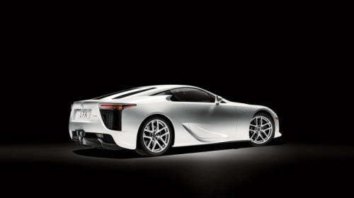 06-lexus-lfa-press