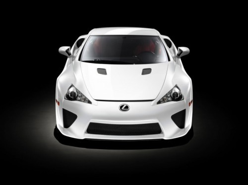 08-lexus-lfa-press