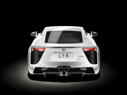 09-lexus-lfa-press