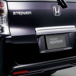 2010-Honda-Step-Wagon-17