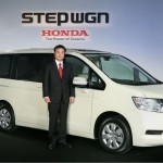 2010-Honda-Step-Wagon-25