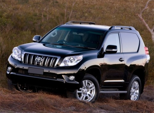 2010-Toyota-Landcruiser-Three-Door-1
