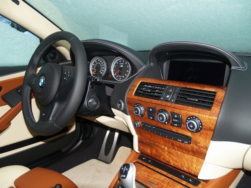 BMW_M6_Gold_Dash