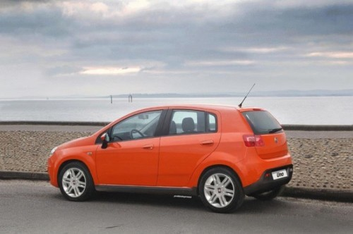 Fiat-Uno-2010-low cost-version-preview