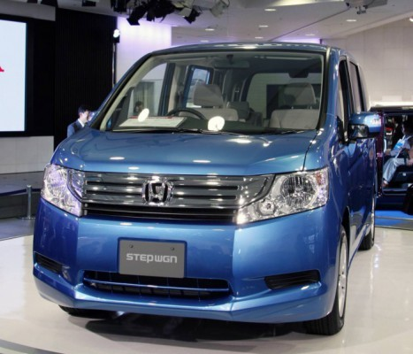 HONDA_STEP_WGN_001