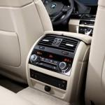 2011-BMW-5-Series-50