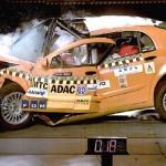 8765a-nouvel_echec_d_une_voiture_chinoise_lors_d_un_crash_test