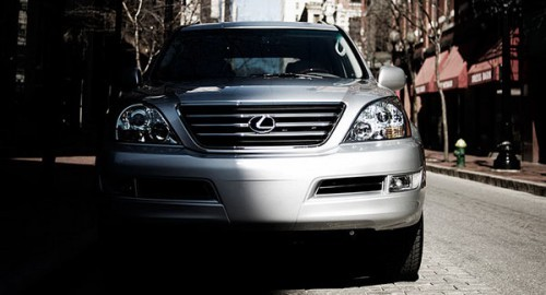 Lexus-GX470-0