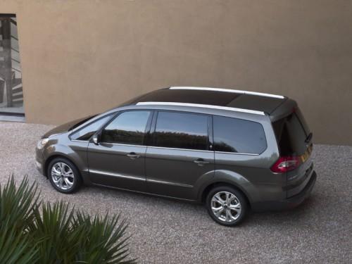2010-Ford-Galaxy-2