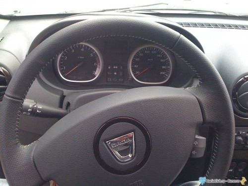 DACIA DUSTER INTERIOR.2