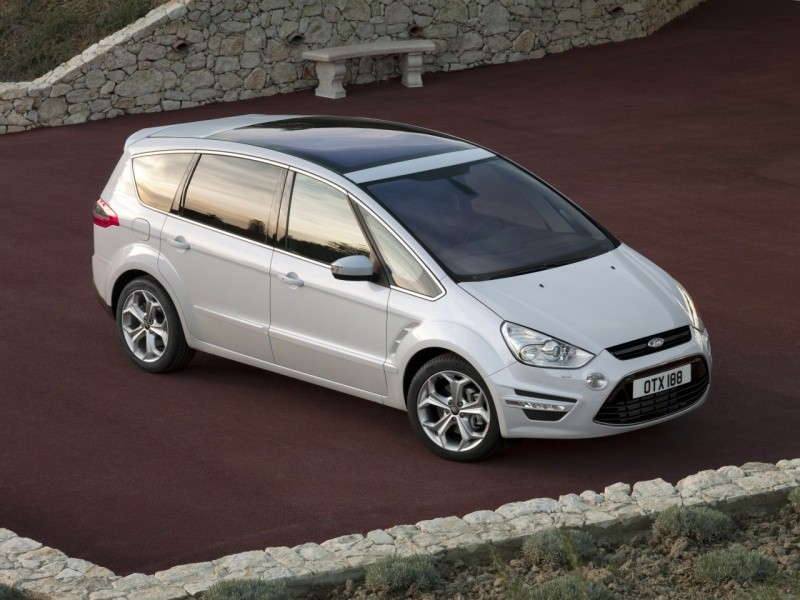Ford_S-Max_2010_1