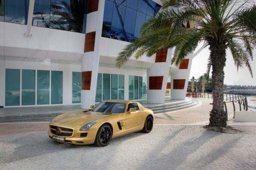 Mercedes_SLS_AMG_Desert_Gold_en_G55_AMG_05