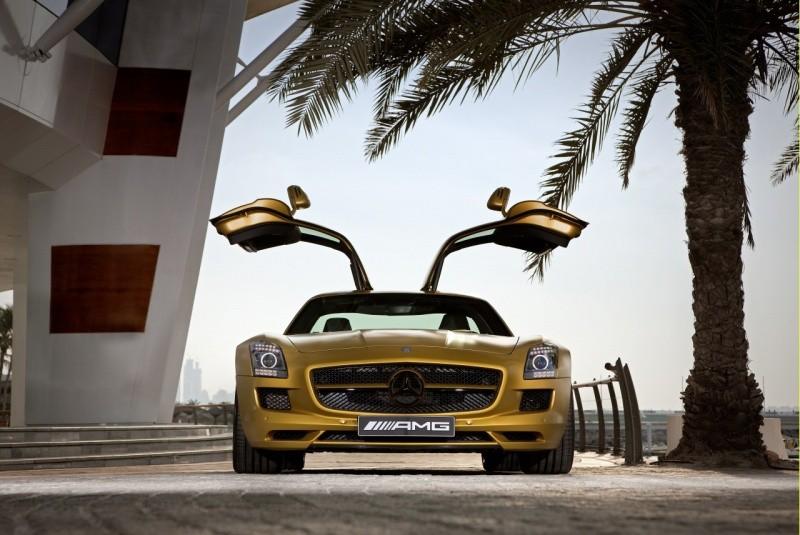 Mercedes_SLS_AMG_Desert_Gold_en_G55_AMG_07