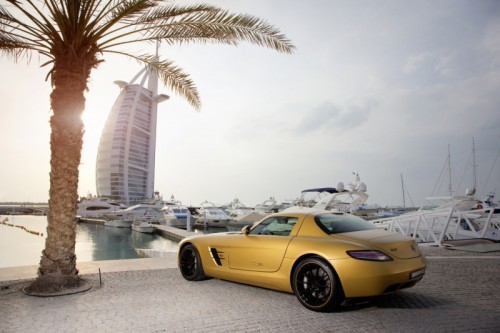Mercedes_SLS_AMG_Desert_Gold_en_G55_AMG_08