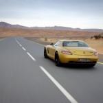 Mercedes_SLS_AMG_Desert_Gold_en_G55_AMG_13