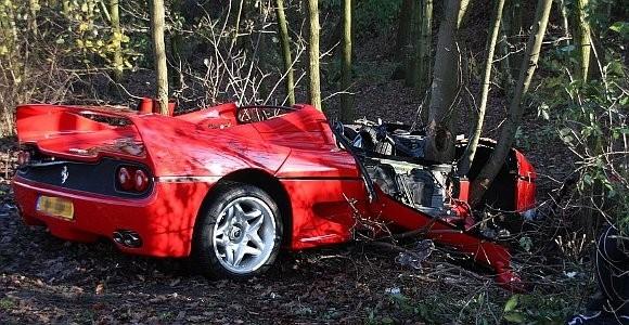 car_crashes_ferrari_f50_crashed_in_holland_01