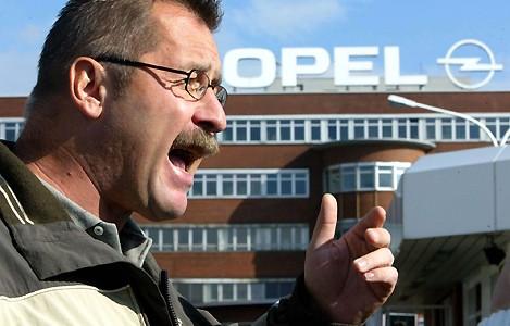 Ouvrier en colère chez Opel !