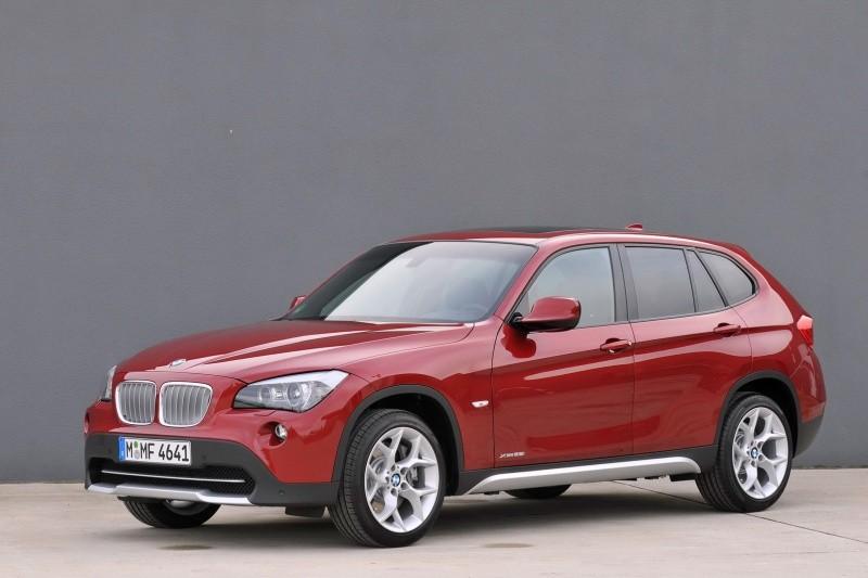 2010-BMW-X1-2