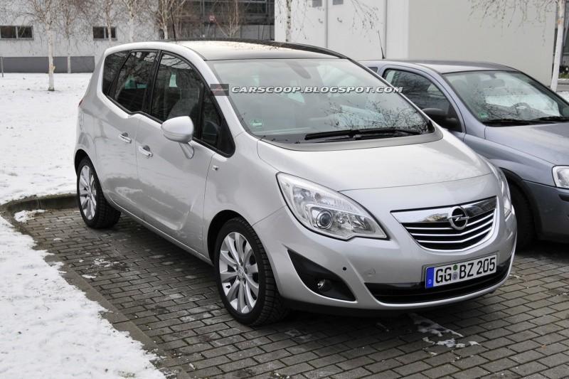 Opel Meriva 2010 Tout Seul Sur Un Parking Blog