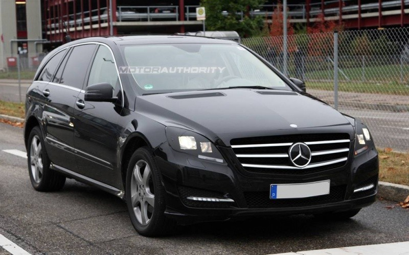 2011-mercedes-benz-r-class-facelift-spy-shots