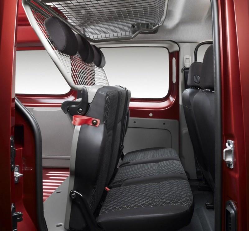 renault kangoo le kangoo express s 39 offre le menu maxi blog automobile. Black Bedroom Furniture Sets. Home Design Ideas