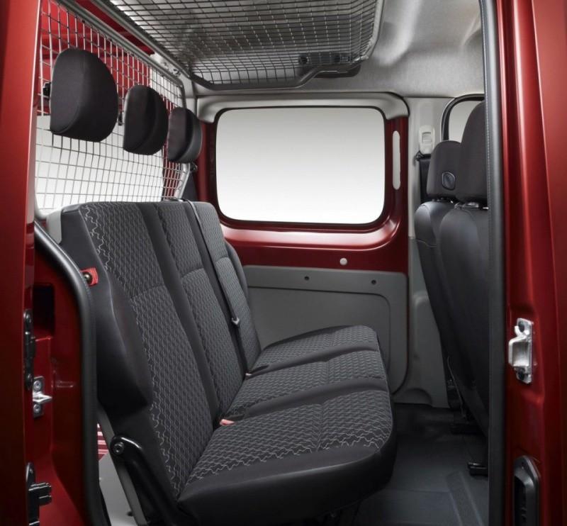 Renault kangoo le kangoo express s 39 offre le menu maxi for Dimension interieur kangoo utilitaire